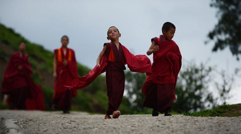 """Phật dạy về """"bốn loại bạn"""" trong cuộc đời mà bạn sẽ gặp 1"""