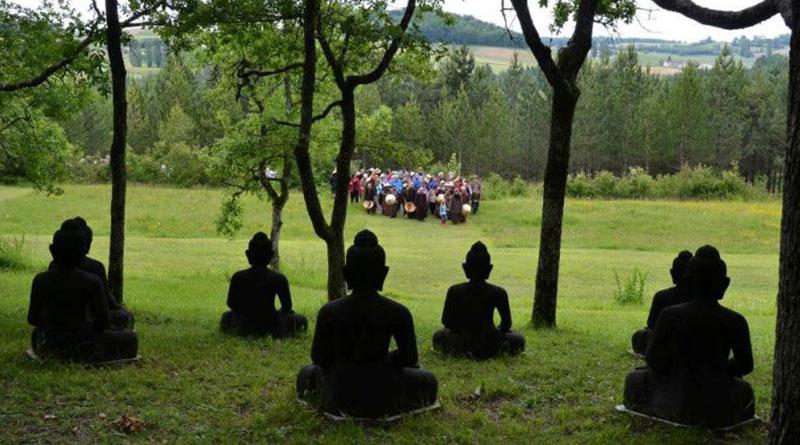 """""""Vô thường chớp mắt là đi"""" , Phật dạy có 4 điều sẽ không tồn tại vĩnh cửu"""
