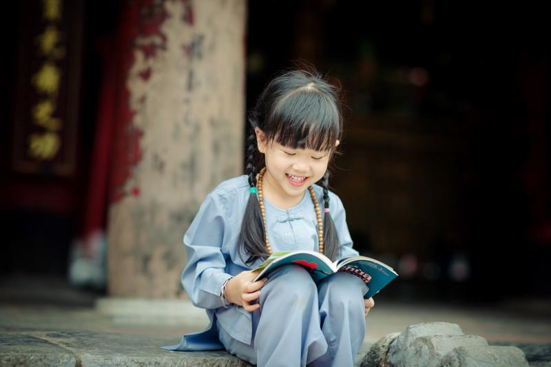 Làm sao cho con tự nguyện đi chùa một cách vui vẻ?