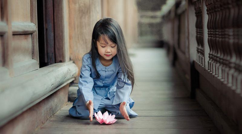 Theo đạo Phật, các bạn trẻ nên được giáo dục theo phương thức như thế nào? 1