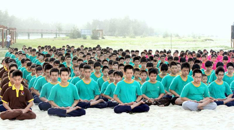 Theo đạo Phật, các bạn trẻ nên được giáo dục theo phương thức như thế nào?