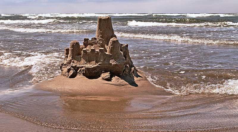 những lâu đài trên cát...