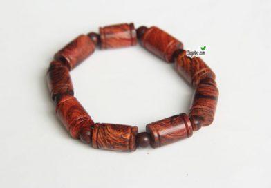Vòng tay, tràng hạt: Vòng tay gỗ sưa dây đốt trúc. SĐT: 0936437223