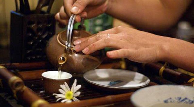Uống trà thưởng trà Chay Mộc